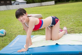Beautiful girl in track and field club rew065