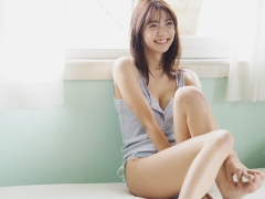 Asuka Kawazu gravure swimsuit image with a friendly smile and splendid style colors this summer012