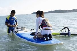 Umikas smile explodes on an island somewhere in the south! Kawashima Umika Swimsuit Gravure045