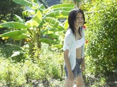 Umikas smile explodes on an island somewhere in the south! Kawashima Umika Swimsuit Gravure057