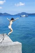 Umikas smile explodes on an island somewhere in the south! Kawashima Umika Swimsuit Gravure072