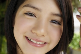 Umikas smile explodes on an island somewhere in the south! Kawashima Umika Swimsuit Gravure096