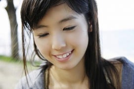 The smile of the ultimate beautiful girls angel explodes in Okinawa for the first time Rina Koike Swimsuit gravure130
