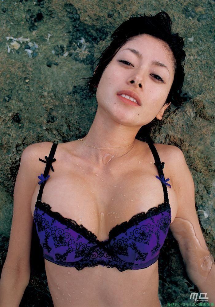 女優真木よう子の水着&グラビア「12枚」 芸能アイドルモデル女優水着画像集