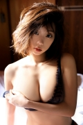 Hikaru Aoyama swimsuit bikini picture kissing her own Icup 2020001