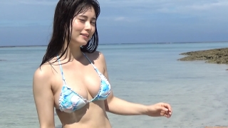 The first swimsuit of the actress from Okubo Sakura Squadron in Okinawa, a star in the making149