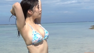 The first swimsuit of the actress from Okubo Sakura Squadron in Okinawa, a star in the making155