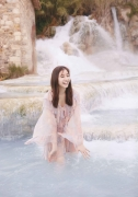 Yuko Shinki swimsuit gravure bikini picture The Beauty in the Water003