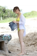 Wada Hitomi yellow swimsuit yellow bikini003