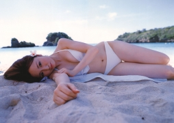 Asami Konno bikini picture from a girl to a woman in a swimsuit Morning Musume 2006009