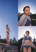 Asami Konno bikini picture from a girl to a woman in a swimsuit Morning Musume 2006011