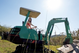 Eri Oishi Excavator in a swimsuit for the first time Women s Travel Real 2020014