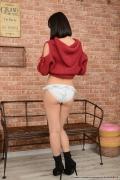 Shirasaka Yui Striptease065