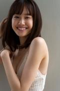 Facilitator Manaka Ozaki bikini gravure Glued to a too cute smile020