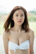 Facilitator Manaka Ozaki bikini gravure Glued to a too cute smile022
