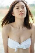 Facilitator Manaka Ozaki bikini gravure Glued to a too cute smile023