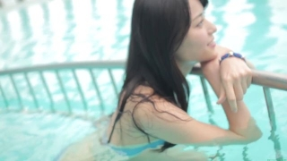 Maimi Yajima relaxing in the pool light blue bikini swimsuit picture024