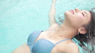 Maimi Yajima relaxing in the pool light blue bikini swimsuit picture040