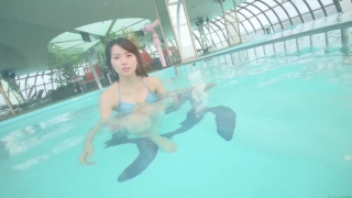 Maimi Yajima relaxing in the pool light blue bikini swimsuit picture063