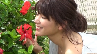 Ikuomi Hisamatsu s sun kissed body continues to lead the way in gravure023