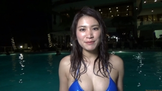 Ikuomi Hisamatsu s sun kissed body continues to lead the way in gravure087