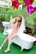 Aya Kiguchi seduces with her bold pose and provocative gaze016
