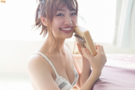 Beautiful women dont save the world but they do save meMiura Umi Gravure Swimsuit Images019