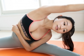 Rina Sawayama Swimsuit Bikini Gravure Bare Face Me 2020010