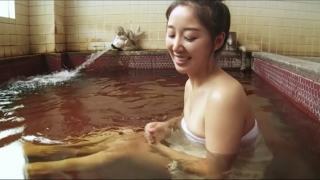 Rina Sawayama Swimsuit Bikini Gravure Bare Face Me038