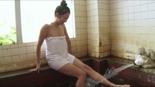 Rina Sawayama Swimsuit Bikini Gravure Bare Face Me043