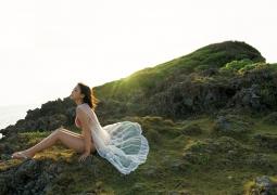 Aika Sawaguchi swimsuit bikini gravure under the sun 019