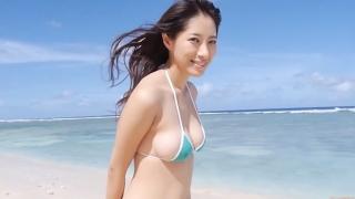 Yuka Someya swimsuit gravure Beach green bikini running fast037