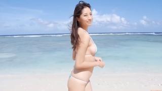 Yuka Someya swimsuit gravure Beach green bikini running fast039