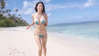 Yuka Someya swimsuit gravure Beach green bikini running fast049