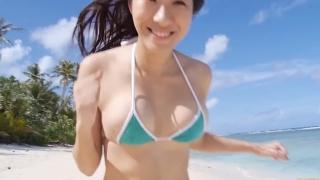 Yuka Someya swimsuit gravure Beach green bikini running fast053