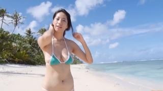 Yuka Someya swimsuit gravure Beach green bikini running fast056