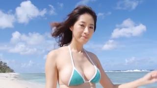 Yuka Someya swimsuit gravure Beach green bikini running fast057