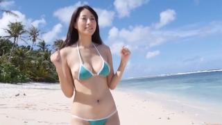 Yuka Someya swimsuit gravure Beach green bikini running fast060