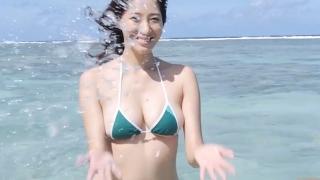 Yuka Someya swimsuit gravure Beach green bikini running fast068
