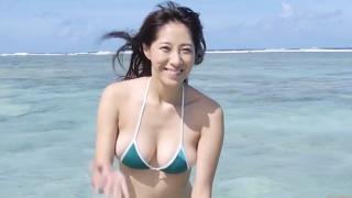 Yuka Someya swimsuit gravure Beach green bikini running fast069
