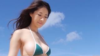 Yuka Someya swimsuit gravure Beach green bikini running fast087