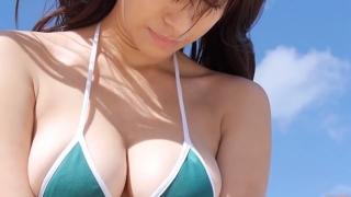 Yuka Someya swimsuit gravure Beach green bikini running fast091