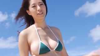 Yuka Someya swimsuit gravure Beach green bikini running fast098