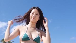 Yuka Someya swimsuit gravure Beach green bikini running fast100
