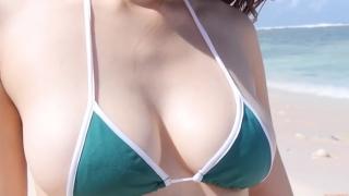 Yuka Someya swimsuit gravure Beach green bikini running fast108