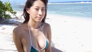 Yuka Someya swimsuit gravure Beach green bikini running fast110