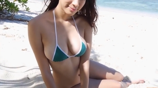 Yuka Someya swimsuit gravure Beach green bikini running fast111