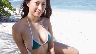 Yuka Someya swimsuit gravure Beach green bikini running fast112