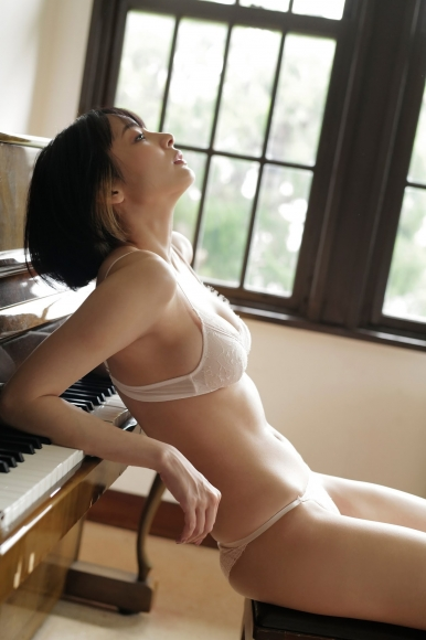 A female mahjong pro with too big tits competes again in a miracle021