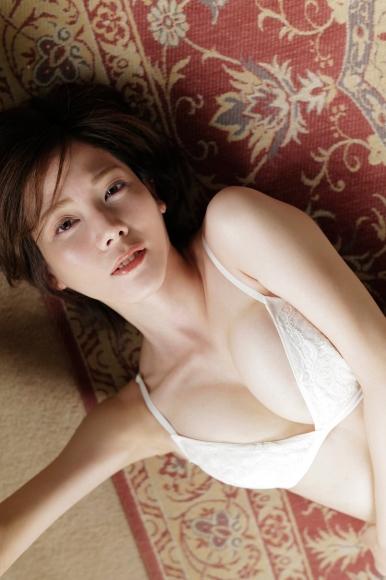 Mari Takamiya Saka Okada swimsuit gravure Big tits too female mahjong016